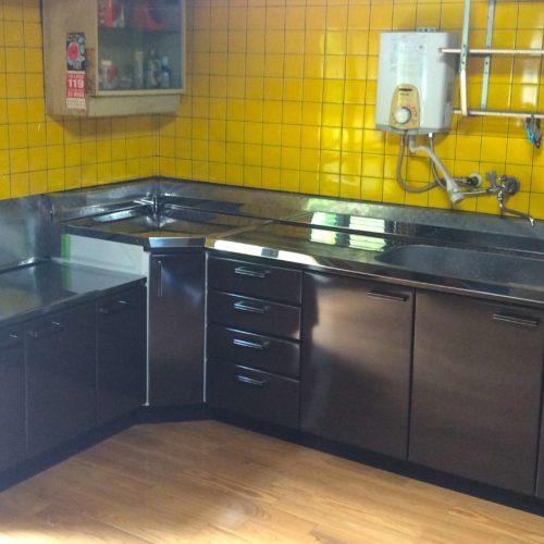 キッチン入れ替えと床面のリフォーム